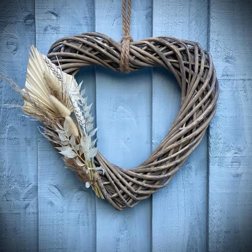 Indoor Side Floral Wicker Heart Wreath (Mixed dried)