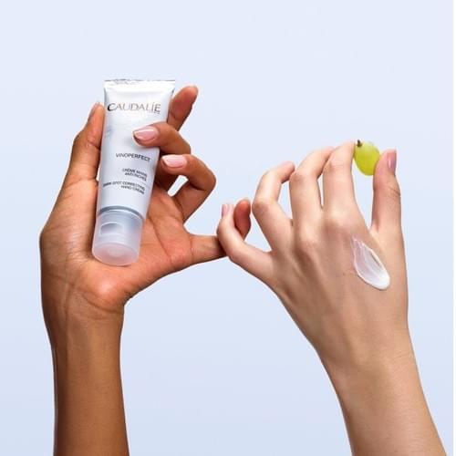 Dark spot correcting hand cream