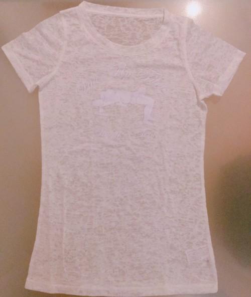 ヒップスラストTシャツ(白地・白ロゴ)