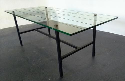 Table basse de Pierre Guariche, années 50