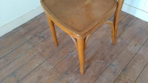 Chaise de hêtre Thonet en Bois Courbé.