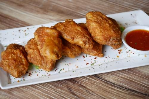 Cheval Chi Bao 's Crispy Chicken Wings
