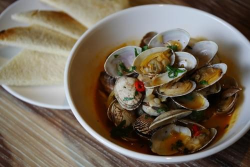 White Wine Garlic Clams with Toast