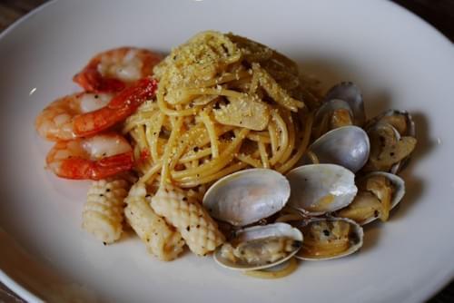 Seafood Aglio Olio