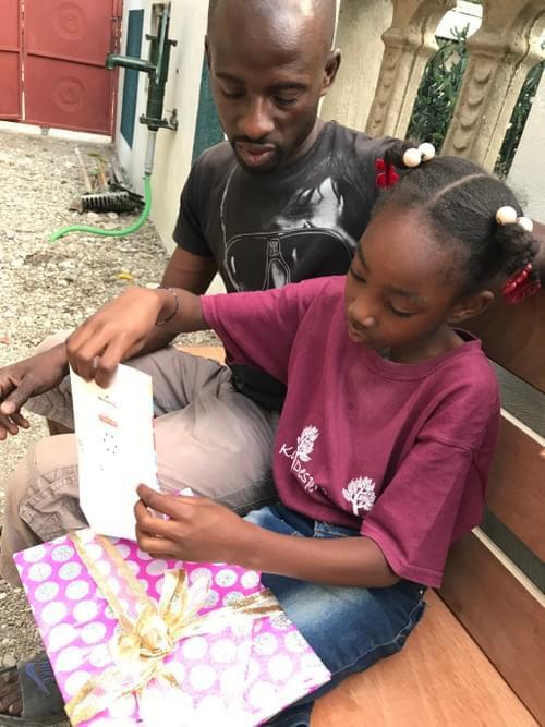 Je eigen kind in ons project steunen om naar school te kunnen gaan