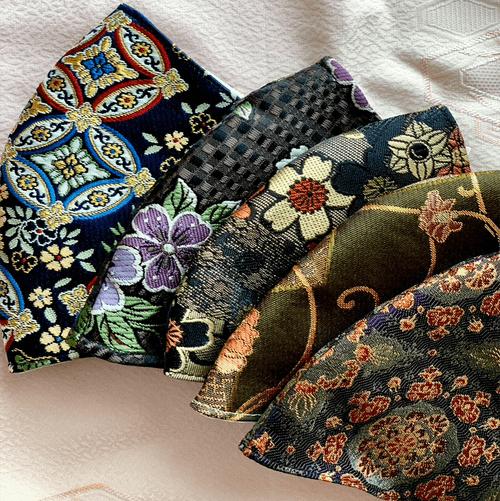 粋な着物を彩る【金襴マスク】