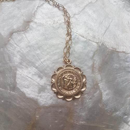 Collier Médaille Dentelle