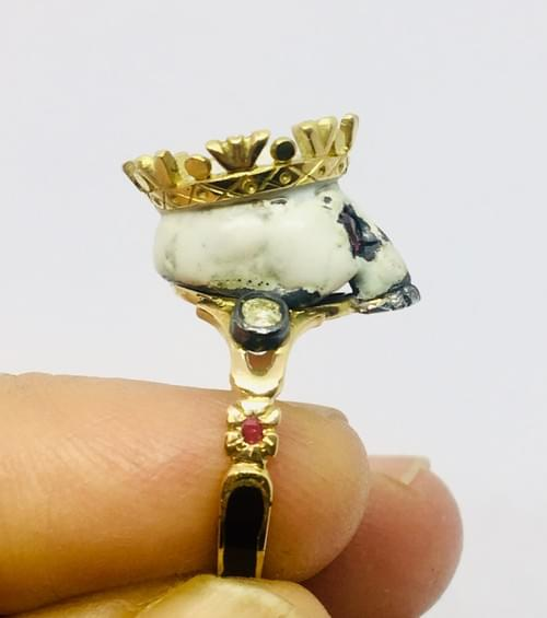 Enamelled Crown skull ring in gold and silver with diamonds and rubies