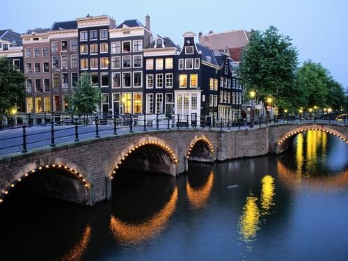 Amsterdam / 100hr Yin and Therapeutics Module - Aug, 21- 27 -10 2018