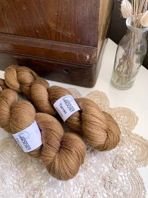 Tarras Yarn – All the Leaves are Brown Colourway