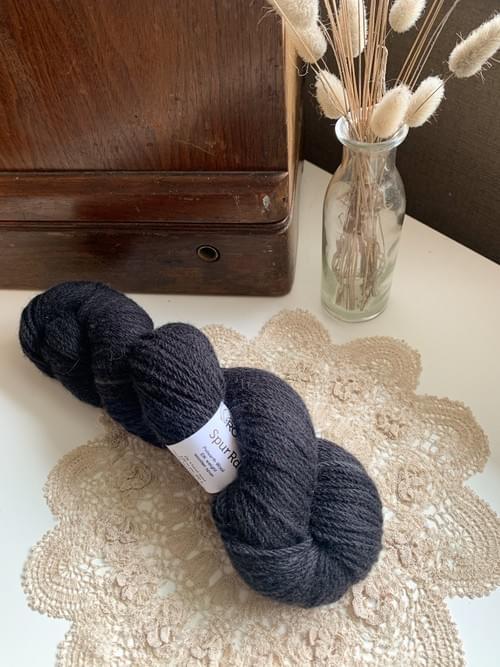 Spur Rd Yarn – Tuxedo Colourway