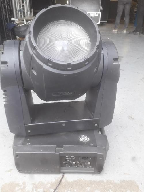 Projecteur MARTIN Mac 250 WASH