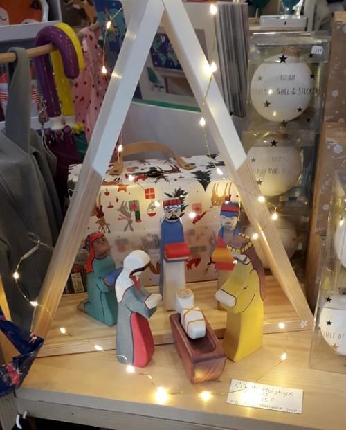 Crèche de Noël en bois 6 figurines