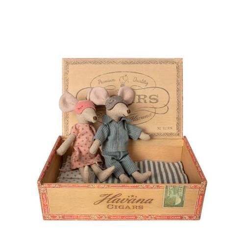 Mum & Dad dans une boîte à cigare