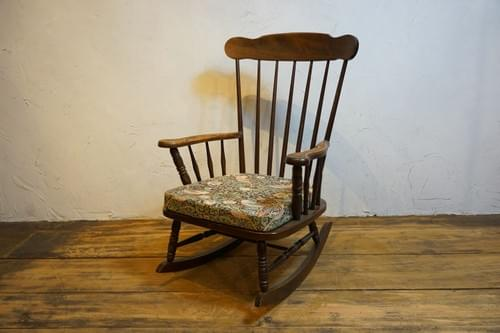 rocking chair William Morris strawberry theif