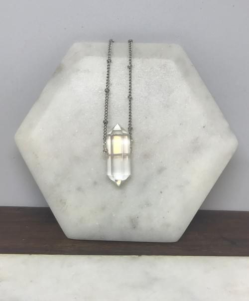 Simple Double Point Quartz Necklace