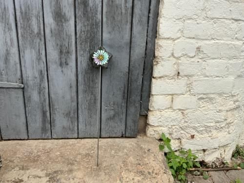 Starry Flower Garden Stake (50 cms) Pearlescent White