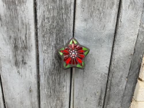 Starry Flower Garden Stake (50 cms) Deep Red