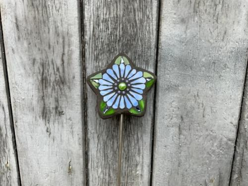 Starry Flower Garden Stake (50 cms) Dream Blue