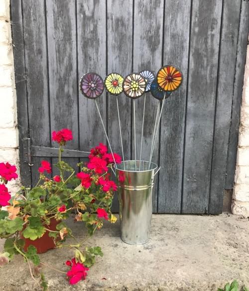 Orbital Garden Stake (50 cms) Pinks