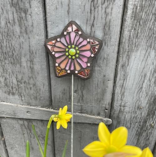 Starry Flower Garden Stake (50 cms) Pink