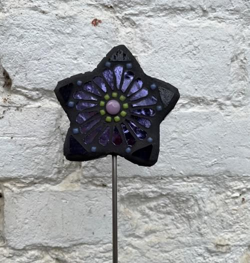 Starry Flower Garden Stake (50 cms) Dark Mirrored Purple