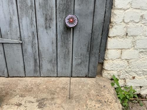 Orbital Flower Garden Stake (50 cms) Pinks and Red