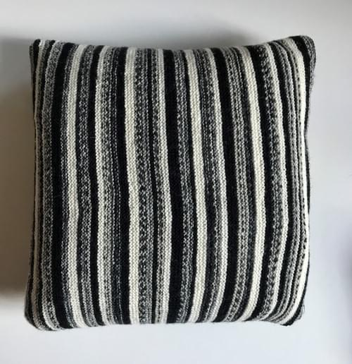 14 inch Handknitted Mosaic Cushion (DKC14/08)
