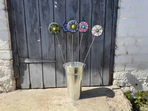Orbital Garden Stake (50 cms) White/Silver