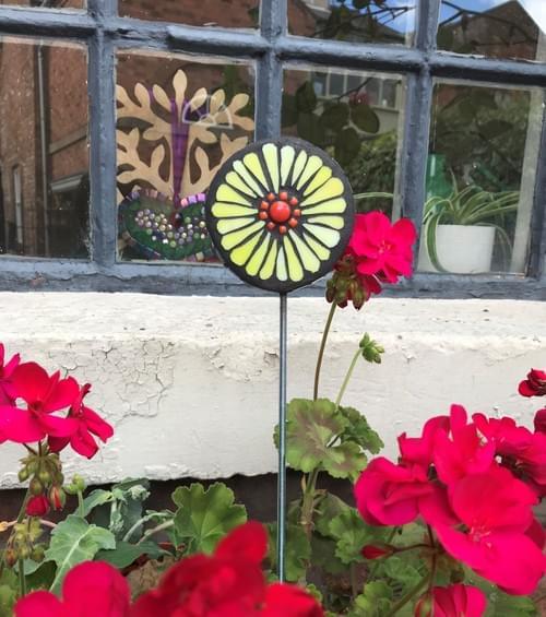 Orbital Garden Stake (50 cms) Lemon