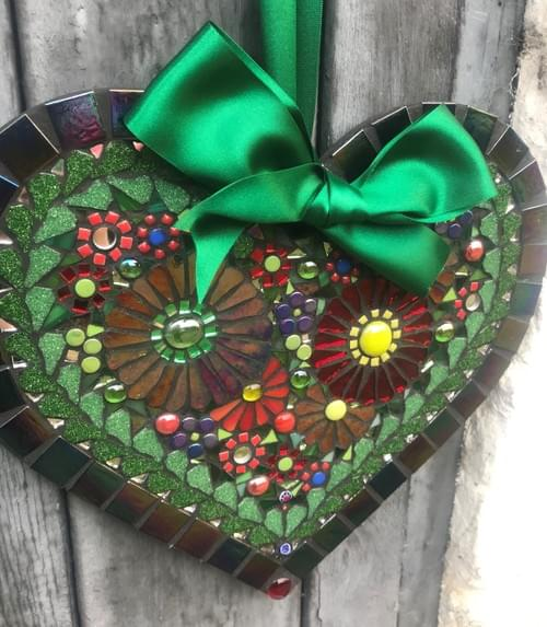 Red Green Aster Heart 30cms 1
