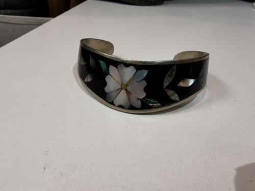 bracelet ancien incrustations nacre