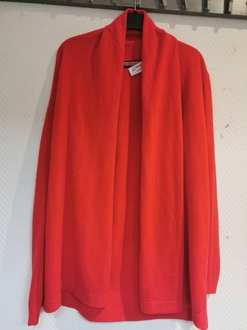 "gilet rouge "" William de Faye "" Taille 2"