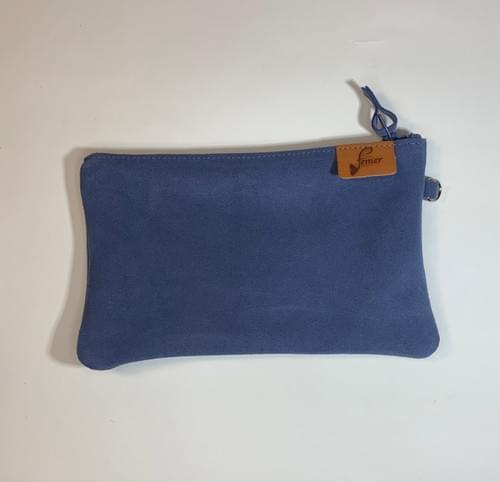 Modèle Pignot : Pochette cuir velours bleu lapon et cuir de poisson marine