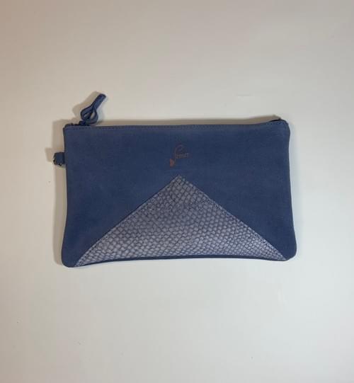 Modèle Dune : Pochette cuir velours bleu lapon et cuir de poisson marine