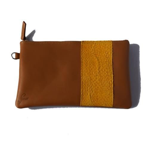 Modèle Pignot : Pochette cuir lisse cognac et cuir de poisson moutarde