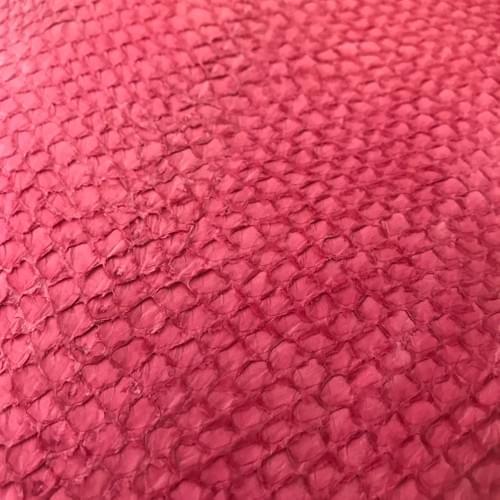 Cuir de saumon couleur rose