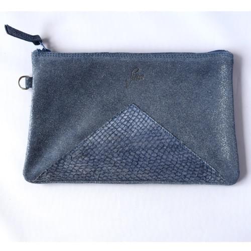 Modèle Dune : Pochette cuir pailleté bleu et cuir de poisson marine