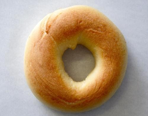 Plain bagel with Spreads