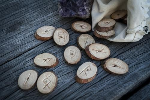 How To Read The Runes