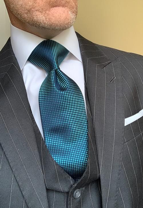 Turquoise Shimmer Dotted Tie