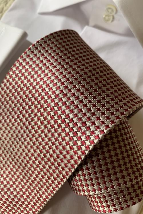 NEW - Burgundy Silver Houndstooth Tie