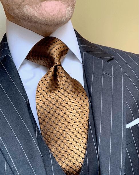 CLEARANCE:  Golden Diamond Shimmer Tie