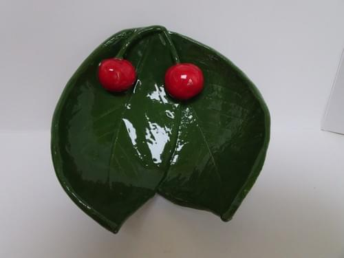 Two leaf cherry dish