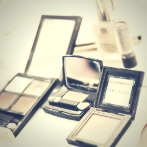PRIVATE SIMPLY MAKE-UP (HALF DAY)