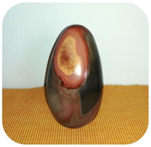 Pierre décorative en Jaspe Mokaite - Œil brun rosé et jaune ocre