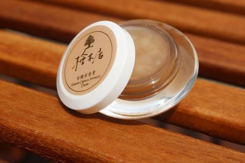 台灣檜木芳香膏 蚊蟲叮咬可塗抹