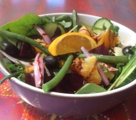 KINDA orange and beetroot mixed salad VE