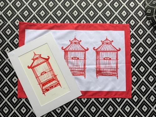 T- TOWEL Ravishing Red Birdcages