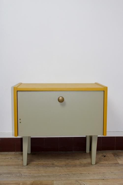 Table de chevet années 60 revisitée
